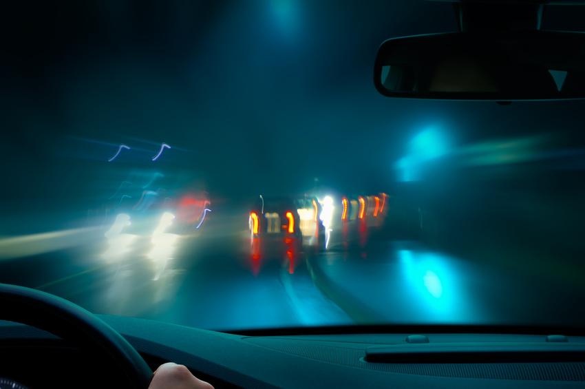 autofahren-bei-nacht